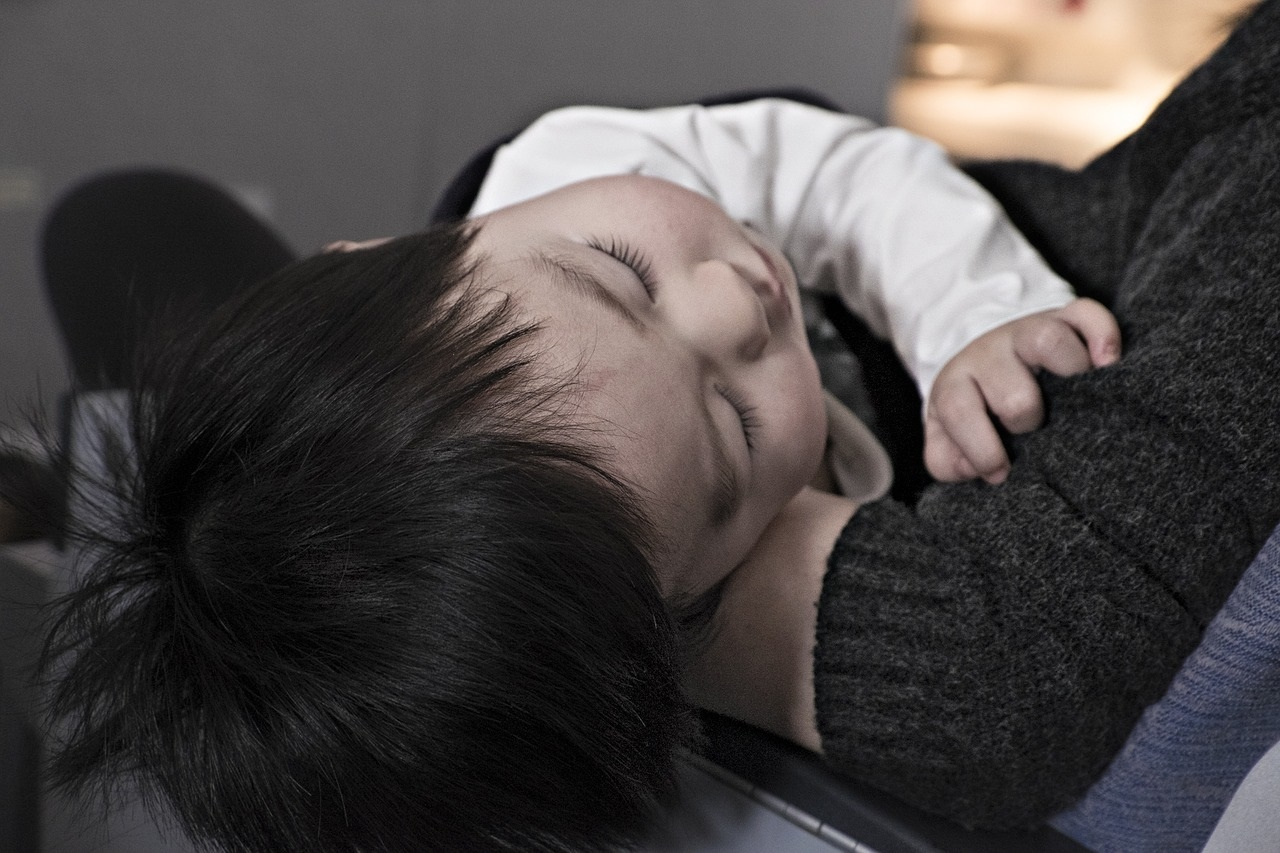 bebelus adormit